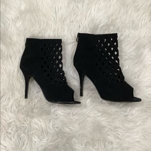 NEW! FOREVER 21 LATTICE CUTOUT BLACK HEELS